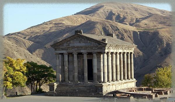 Храм в Гарни - Армения
